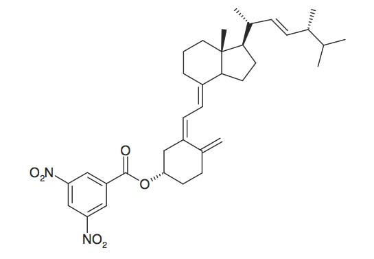Vitamin D<sub>2</sub>-3',5'-dinitrobenzoate